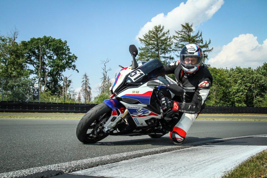Sven Rentschler beim Motorradfahren