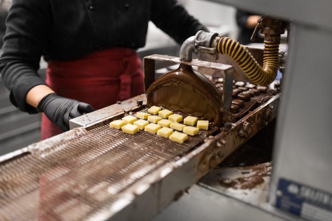 Erhitzte Schokolade bei der Verarbeitung
