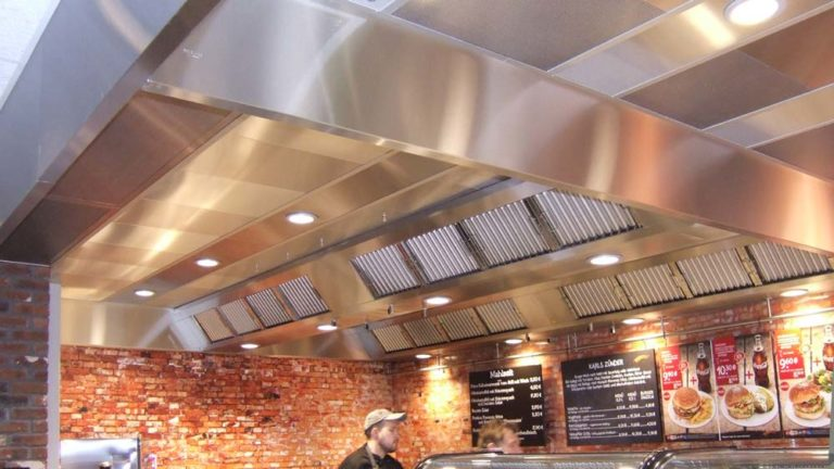 Exhaust air hood for system gastronomy