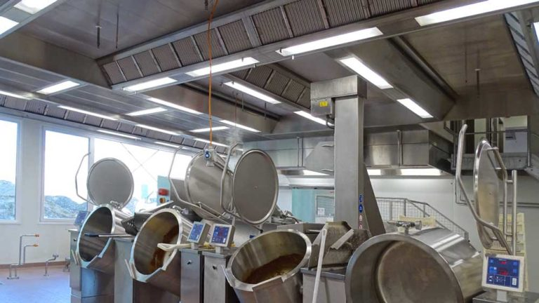 Ventilation ceiling for food processing