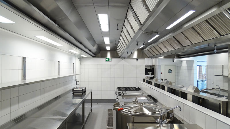 Individually manufactured ventilation ceiling in a hotel kitchen
