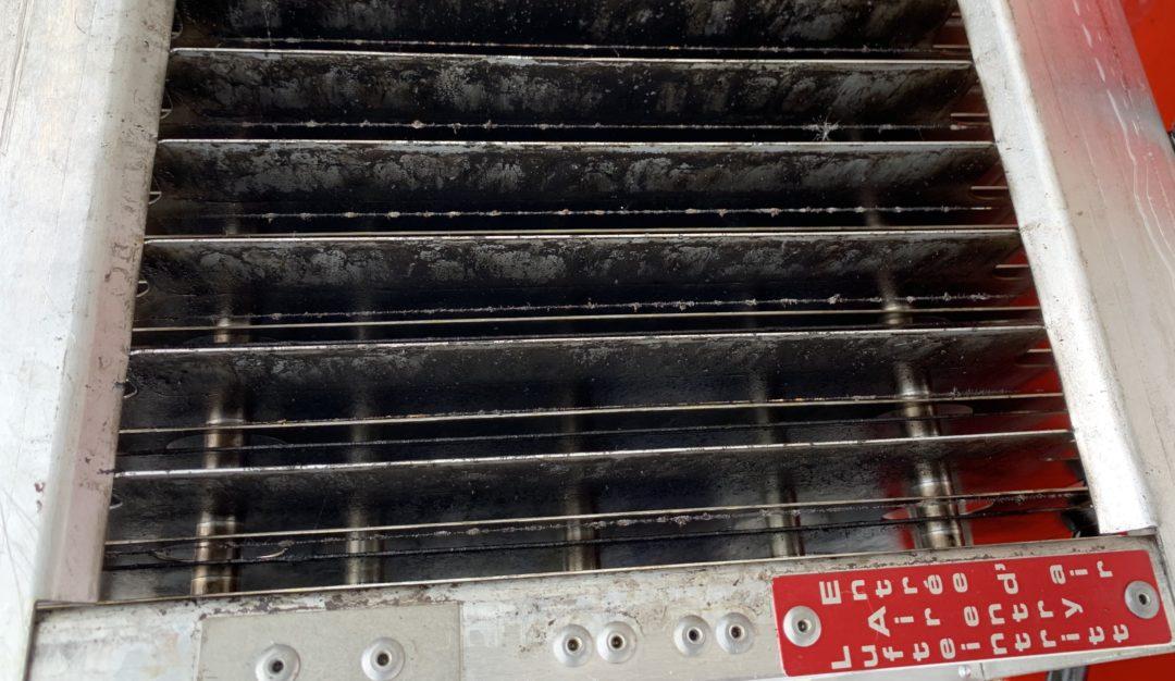 Defekter Elektrostaten Kollektor nach Einsatz in wasserlöslichem KSS