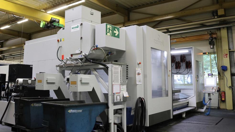 REVEN Oelnebelabscheider auf REIDEN Großmaschinen aus der Schweiz zur kombinierten Fraes- und Drehbearbeitung